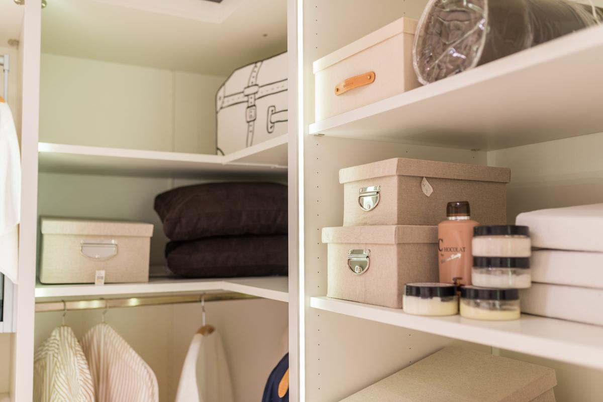 begehbaren kleiderschrank planen. Black Bedroom Furniture Sets. Home Design Ideas